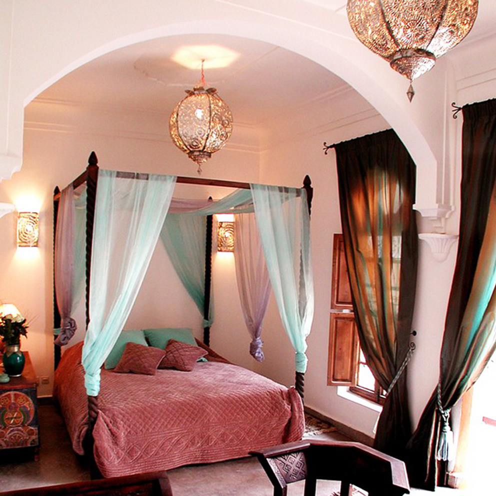96531064_4497432_moroccanthemeinbedroom49