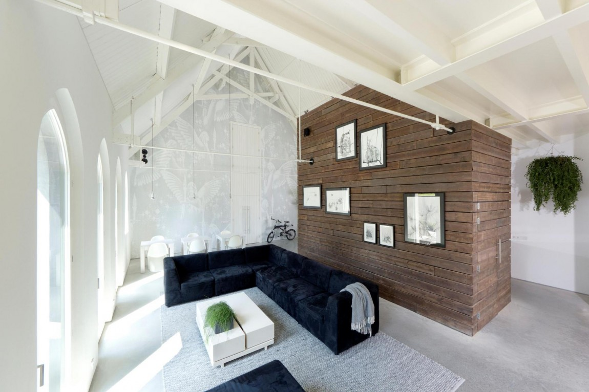 God's_Loftstory_Amazing_Modern_Home_In_The_Old_Dutch_Church_Haarlo_Netherlands_world_of_architecture_worldofarchi_07